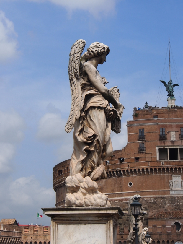 Die Engel - vor der Engelsburg