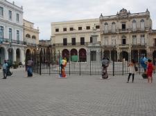 Plaza Vieja, Hunde, Statuen, Kuba, Havana