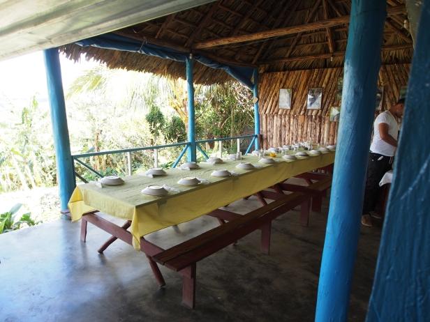 """Öko-Finca """"Paraiso"""", Finca, Kuba, Mittagessen, Tafel, Palmenhäuser"""
