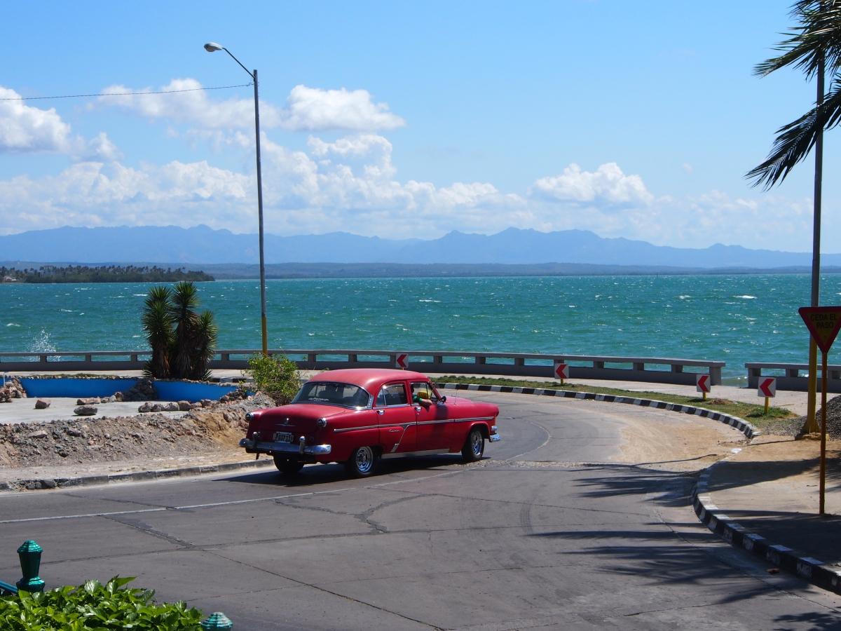 Oldtimer, Palacio de Valle, Cienfuegos, Kuba