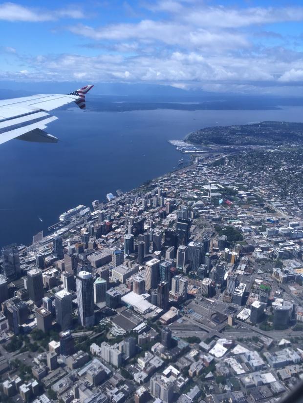 Luftaufnahme, Seattle, Washington, Skyline, USA, reisen, Wochenendtrip, Wochenendausflug, Ausflug, Kurztrip, Ausflugsziel, Sightseeing, Sehenswürdigkeiten, Besichtigung, Sehenswert, Stadtrundfahrt, Stadtbesichtigung