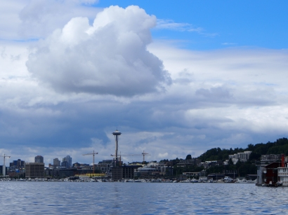 Seattle, Sightseeing, Besichtigung, Stadtbesichtigung, Stadtrundfahrt, Stadttour, Sehenswert, Sehenswürdigkeit, Smaragdstadt, Evergreen, USA, Westküste, Kurztrip, Wochenendausflug, Wochenendtrip, Ausflug, Ausflugsziel, was machen in Seattle, Wetter, Besichtigung, Space Needle, 360 Grad, Ausblick, Rundrumblick
