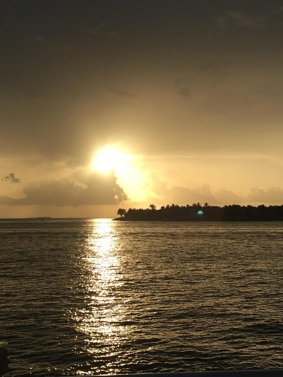 Florida, Key West, Florida Keys, Amerika, USA, reisen, Reise, Ausflug, Ausflugsziel, Wochenendausflug, Wochenendtrip, Ausflugsziel, Fliegen, Flieger-Ausflug, Flieger, Pilot, selber fliegen, Privatpilot, Insel, Karibik, Sonnenuntergang, Zeremonie