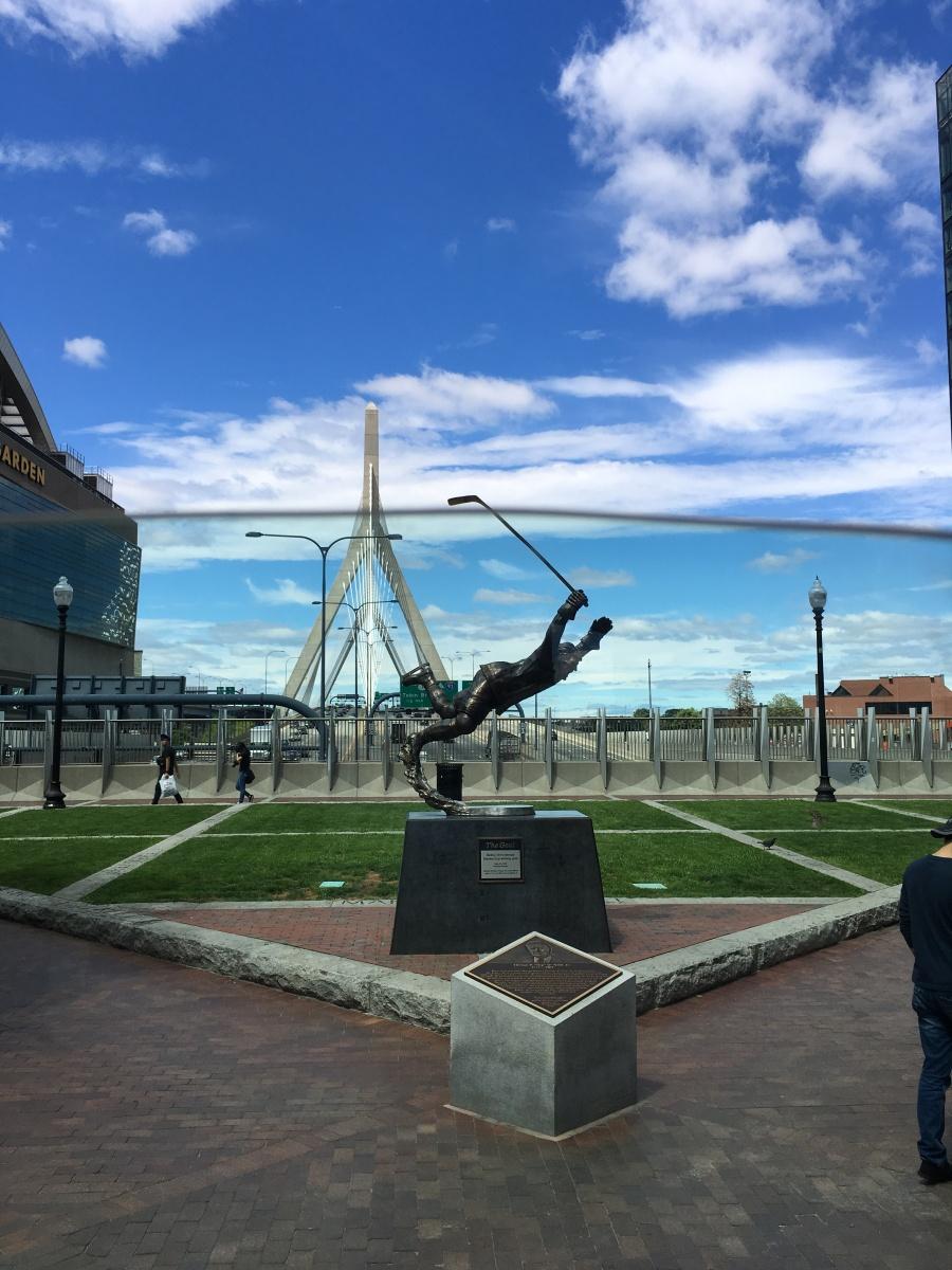Statue, Brücke, Hockey, Bobby Orr, Boston, Massachusetts, Sehenswürdigkeiten, Tipps, Sehenswert, Ausflug, Ausflugsziel