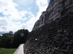 Xunantunich, Belize, Maya, Tempel, Ruine, San Ignacio, Zentralamerika, Lateinamerika, Südamerika, Reise, reisen, Einsteiger, Anfänger, Einsteigerland, Tipps, Sehenswürdigkeiten, was erwartet mich, worauf muss ich achten, Sehenswert, Tourist, Tourismus, Historisch, Kultur, Dschungel